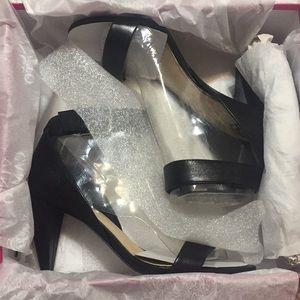 Vince Camuto Caitriona in black NIB Never Worn